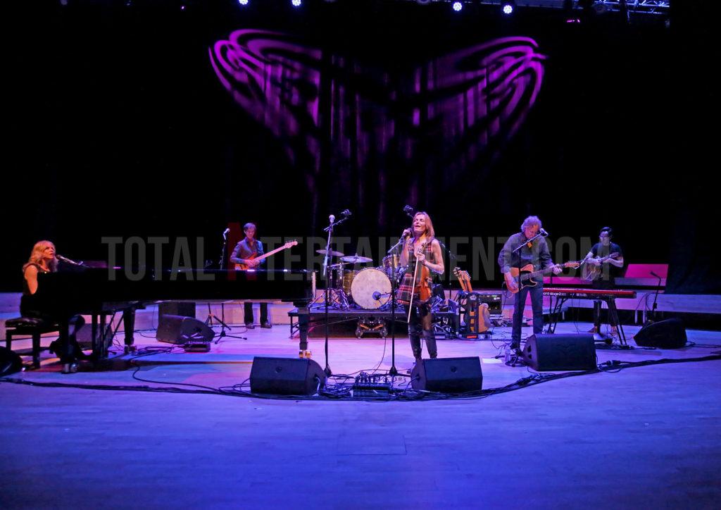 Vonda Shepard, Sharon Corr, Music, Sakura, TotalNtertainment, Manchester, review